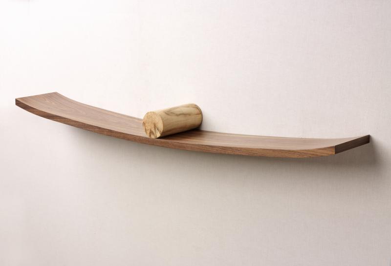 Equilibrio shelf by David Tragen