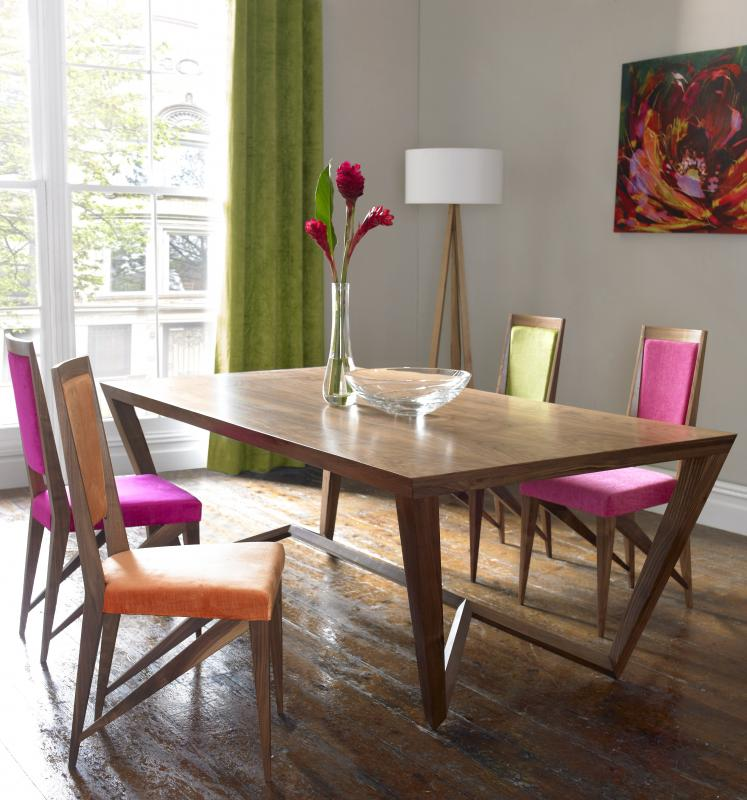 Spyder Dining Suite by Paul Case