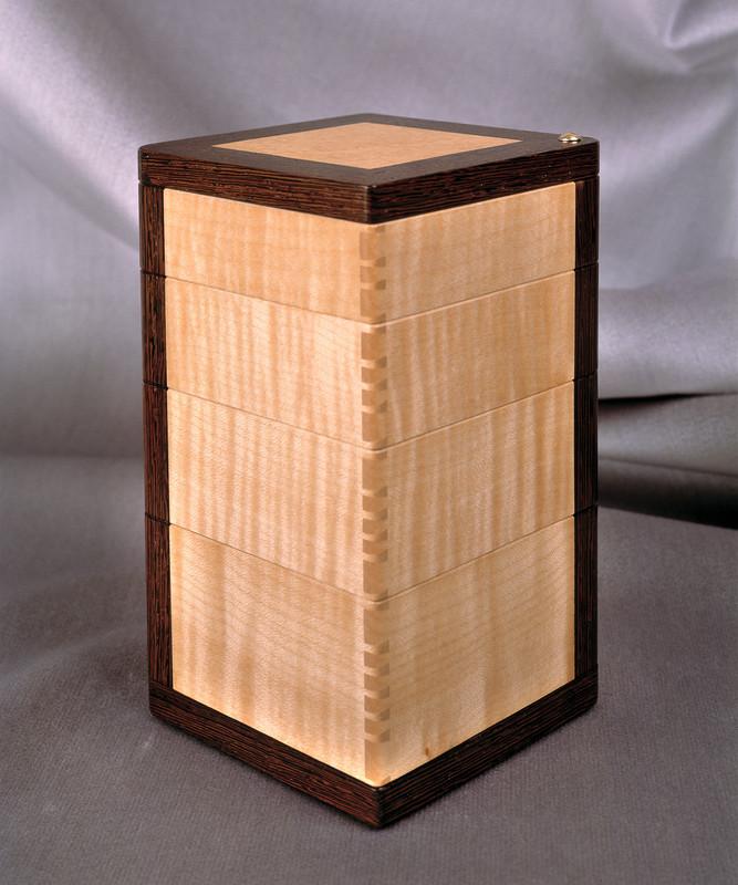 'Girandole' Fine Box by Robert Ingham