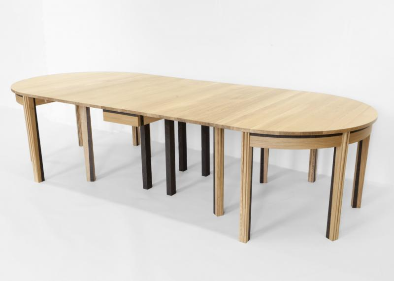 Rimmington dining table (open) by Suzanne Hodgson