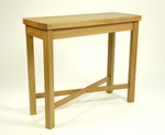 Console table in oak by Dovetailors